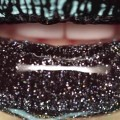 Dripping-Black-Glitter-Lips-MAKEUPIDEAS