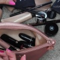 Whats-in-my-Travel-Makeup-Bag-Packing-Tips