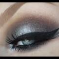 Halo-Smokey-Eye-with-Glitter-Liner-Beautyful-Smokey-Eye-Tutorial-Makeup-Tutorial-Online