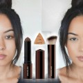 TRIANGLE-FOUNDATION-STICK-Hourglass-Vanish-Seamless-Foundation
